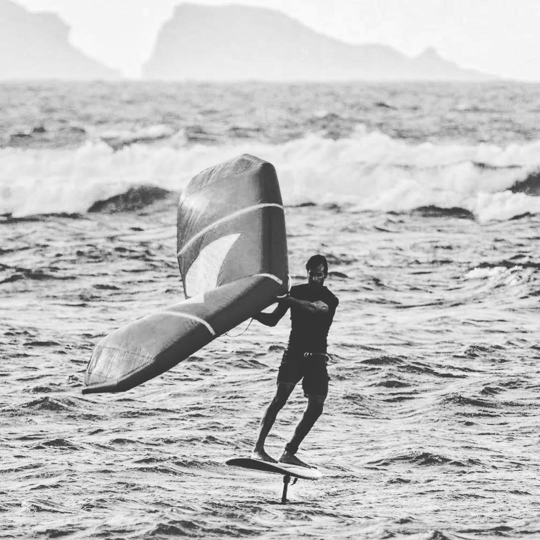 Wingsurfing. Il presente e … uno sguardo sul futuro